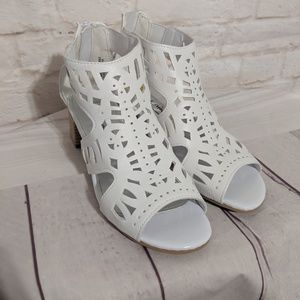 Other - White cutout heeled sandals girls 3 NWOT
